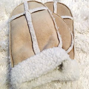 H&M Accessories - H&M Mittens Faux Suede Soft Teddy